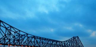 Hawra Bridge , Kolkata