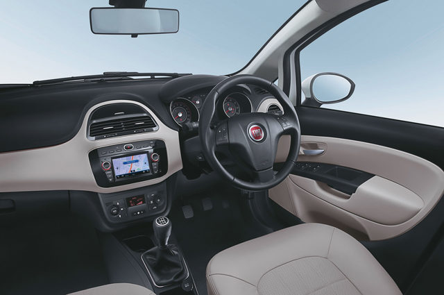 Fiat Linea 125s Interiors