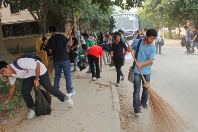Youth help Promote Cleanliness